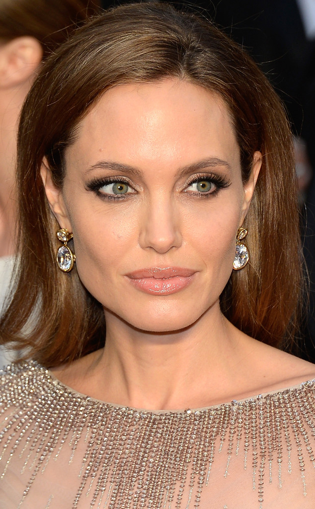 rs_634x1024-140302205045-634.Angelina-Jolie-Earings-Oscars-jmd-020314_copy