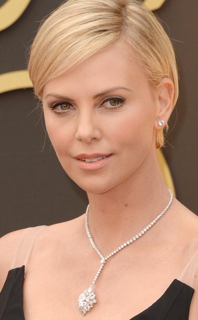 rs_634x1024-140302210849-634.Charlize-Theron-Necklace-Oscars-jmd-020314_copy