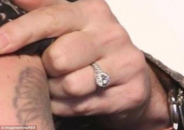 Johnny Depp Nişan Yüzüğü
